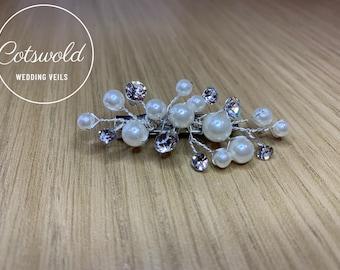 Beautiful Pearl & Crystal Train Pin, Wedding Dress Train Pin, Pearl Dress Pin, Bridal Gown Clip, Crystal Dress Clip