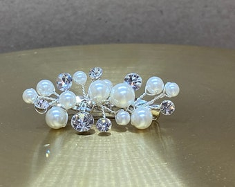 Beautiful Pearl & Crystal Train Pin, Wedding Dress Train Pin, Pearl Dress Pin, Bridal Gown Clip, Crystal Dress Clip