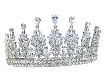 Stunning Regal Crystal Bridal Tiara, Wedding Tiara, Bridal Accessories, Silver Tiara, Brides, Hair Accessories
