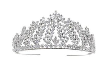 Stunning Enchantment Bridal Tiara, Wedding Tiara, Bridal Accessories, Silver Tiara, Brides, Hair Accessories