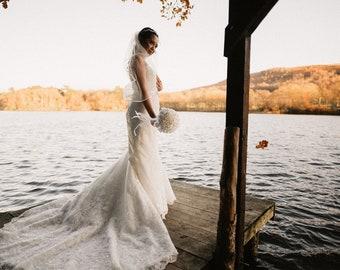 """Waist Length Satin Edge Wedding Veil,  Single Layer Soft Tulle 32"""" Ivory Veil"""