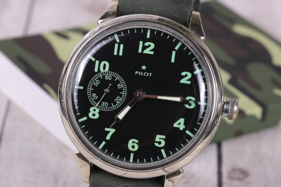 Wrist watch Molnija Pilot, Russian watch, men watc