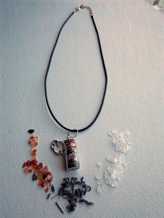 Witchcraft spell bottle amulet