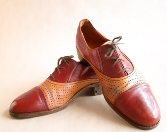 5531ae354b 1920s red tan leather oxford, men's two tone leather shoes, spectator shoes  size 8. In beautiful condition