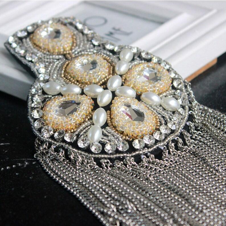 A pair Silver Rhinestone tassel Beaded epaulette for clothes Punk Wind Coat Suit DIY Fashion Tassel Badge Epaulets Shoulder Patches applique