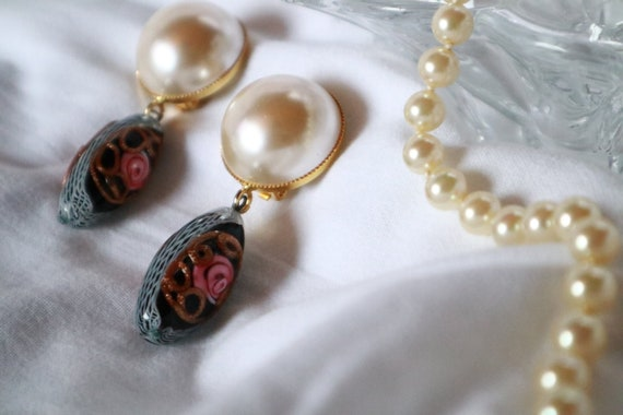 Vintage half-pearl earrings