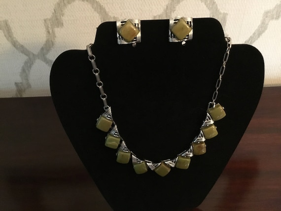Coro vintage necklace and earrings