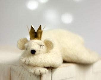 Needle Felted Withe Bear - Needle Felted Animals - Prince - Christmas Decor - Art Doll - Polar Bear - Home Decor - Wool - Handmade - Boho
