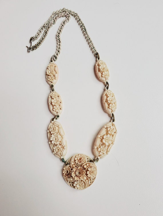 1940's Celluloid Faux Ivory Flower Necklace