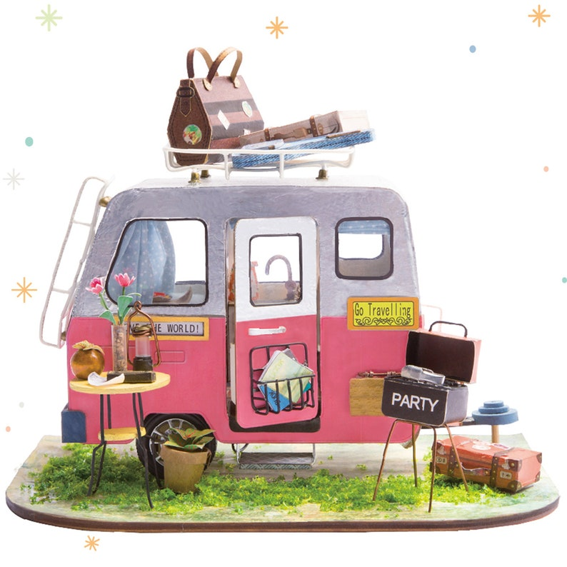 ROBOTIME Miniature Dollhouse Decorations with Accessories Wooden DIY House  Projects (Happy Camper)