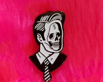 Skullman pin