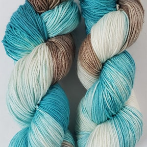 Lavender Taffy 100/% Superwash Merino Yarn SALE Bay Base Fingering Weight