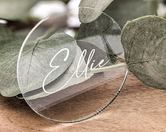 Acrylic Table Place Name, Wedding Table Décor, Round Personalised Place card, Engraved Acrylic Guest Seating,