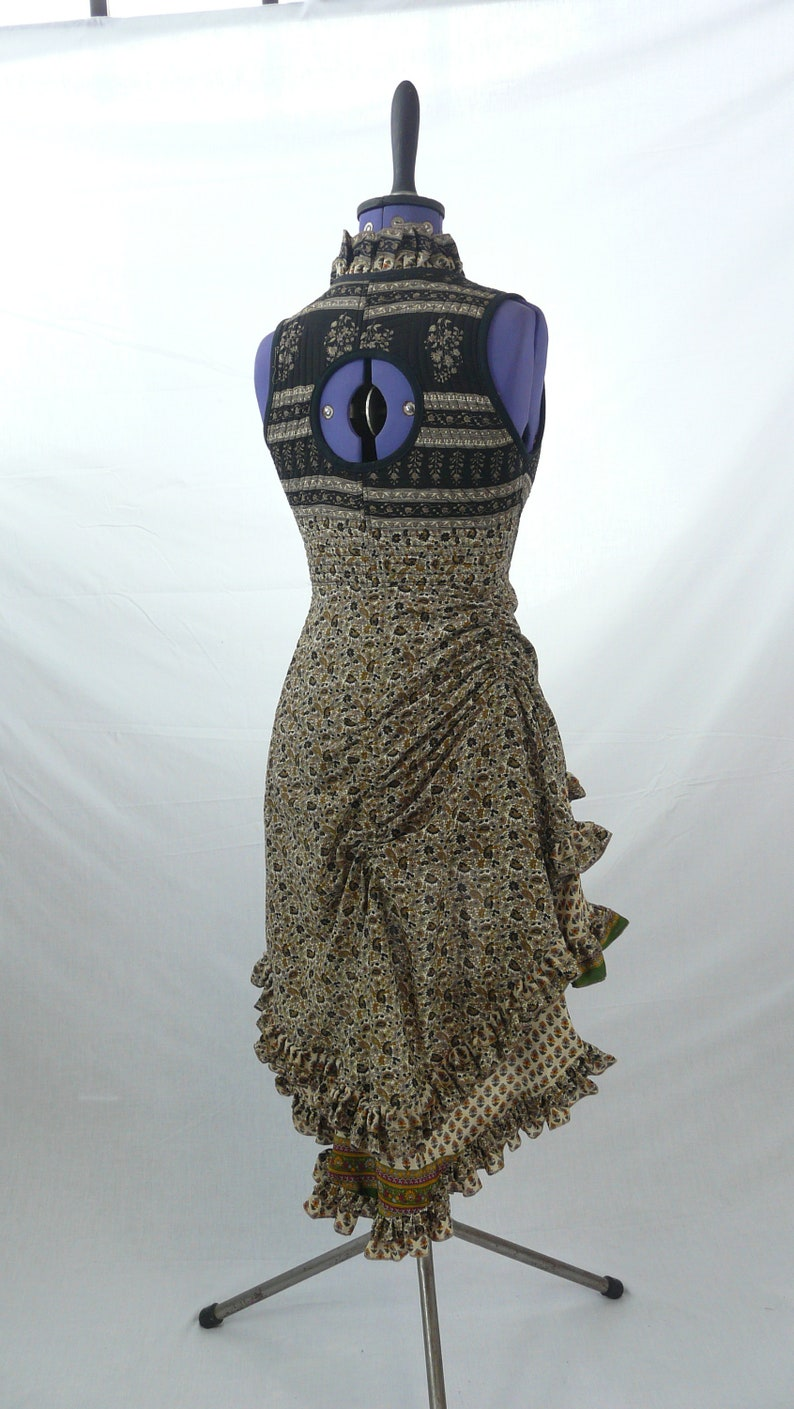 Wrap around 3 rouches at back lots of frills fully adustable at waist Goa Dress Day Corset Overdress M Best Silk