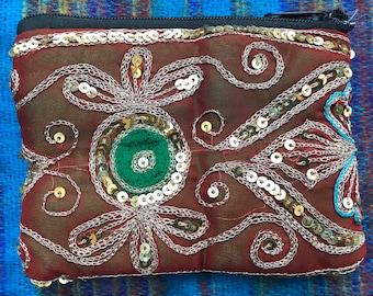 Perfect Sari Purse. Upcycled from Indian wedding sari. A fantastic  gift