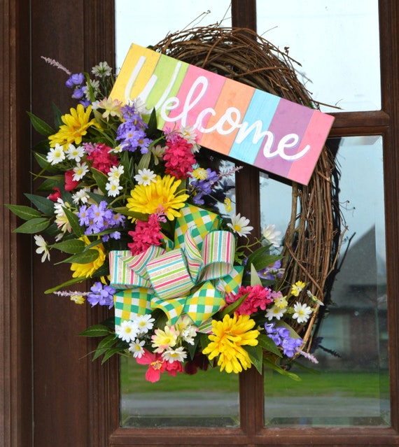 Ready to Ship! Spring-Summer Bumble Bee Grapevine Wreath