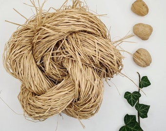 """Natural wild raffia bast """"Walnut"""" for Crafts Projects, Home Decoration, florist Bouquets and Gift wrap. Hand dyed Fibre with organic Herbs."""