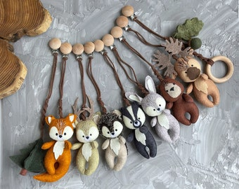 Woodland stroller mobile / Forest animals stroller toys set / Pram accessory/ Stroller lanyard/ Pram felt toy/ neutral gender gift.
