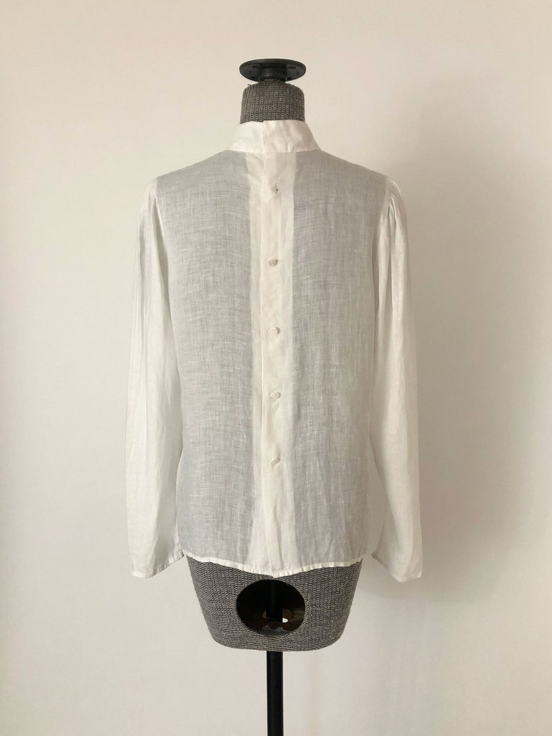 1970s Edwardian White Linen Button Back Blouse High Neck Pintuck Puff Shoulder Blouse Small Medium