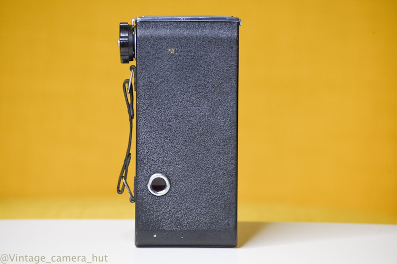 Penguin Kershaw Eight-20 Vintage Folding Camera 1951 Medium Format Good Condition