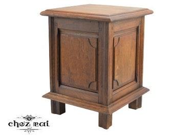 Vinatage French Found Hardwood Hinged Box Storage Box Mini Ottaman Toy Box / Chez Rai