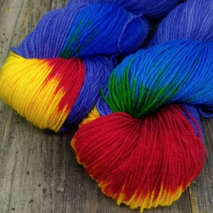 fingering weight sock yarn Rainbow Blast in Emerald