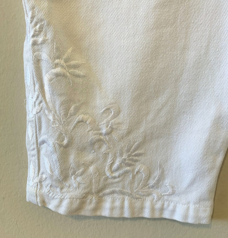 Vintage 1980/'s White Mom Jean