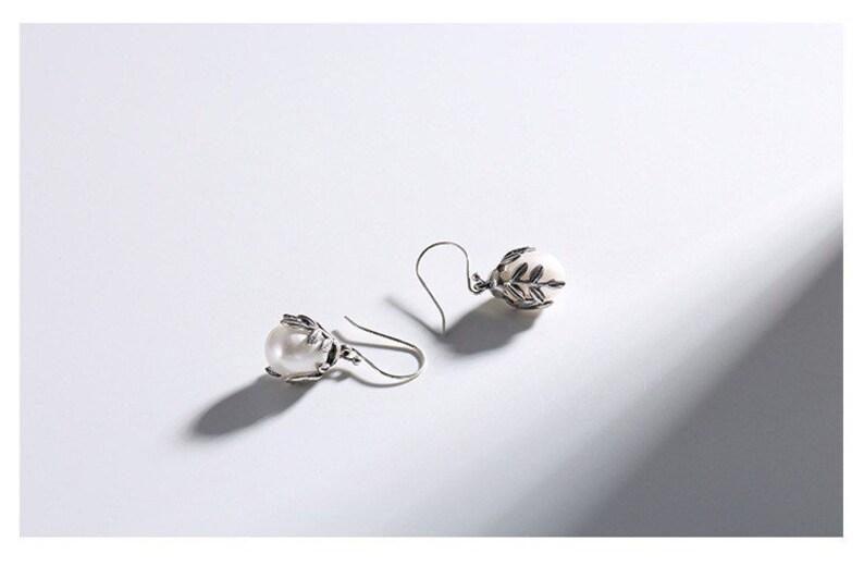 Sea pearl leaves eardrop earring hand make pure silver earring