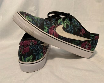 the best attitude ed110 b3cb5 Mens Nike SB Floral Print - Size 10.5 - Great condition.
