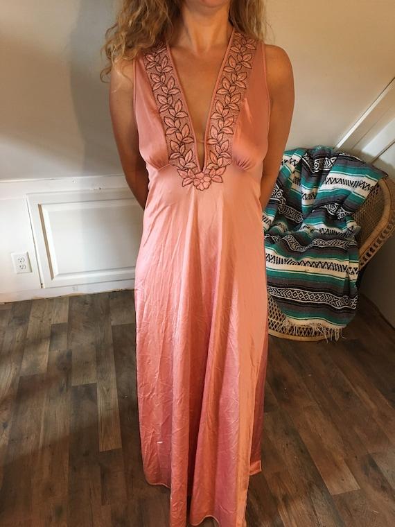 Vintage Vanity Fair Nightgown Size 32, Women's Nig