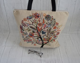 Floral Tree Tapestry Zip Top Tote Shopping Bag With Internal Pockets. Strong and Machine Washable shoulder bag with long handles.
