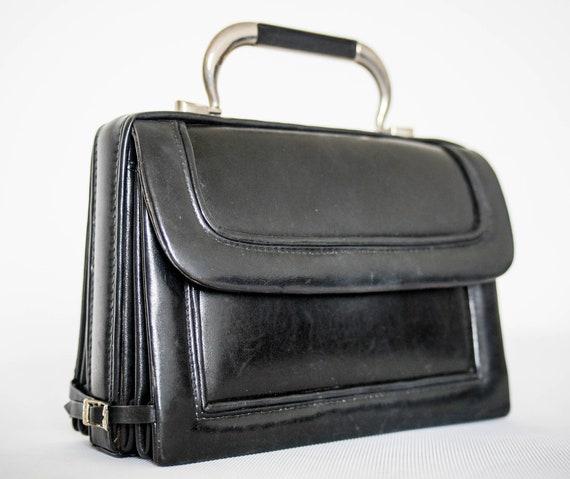 VINTAGE 1960s black leather bellows pochette clutc