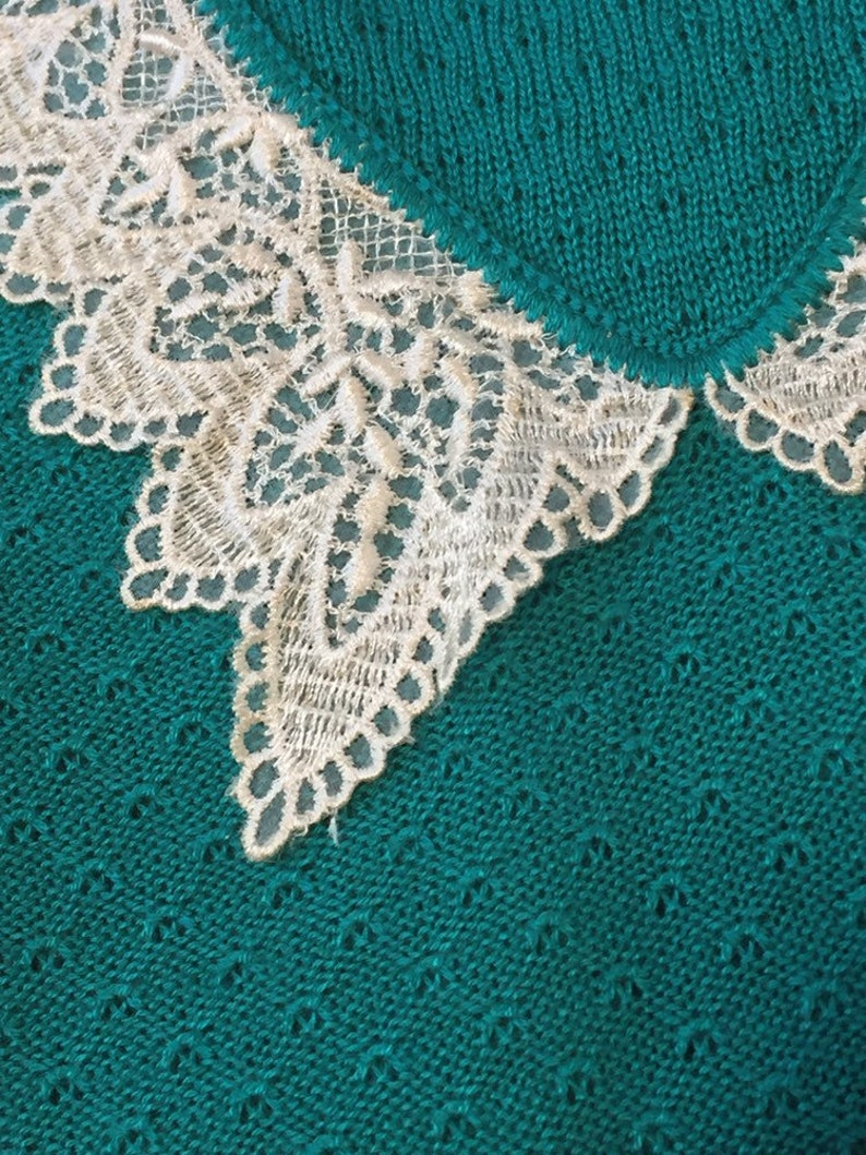 90\u2019s Lace Collar Knit Top ML
