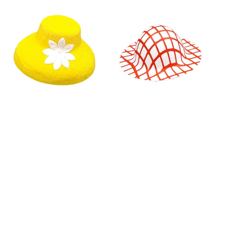 Various hats made of plastic 20 pieces