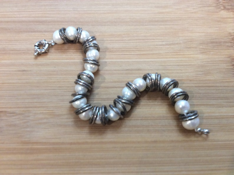 Vintage 1980\u2019s Faux Pearl Silvertone Metal Rings Industral Style Bracelet Located in Abbotsford BC Canada
