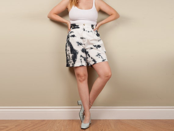 reworked 90s tie dye bermuda shorts, 90s white and