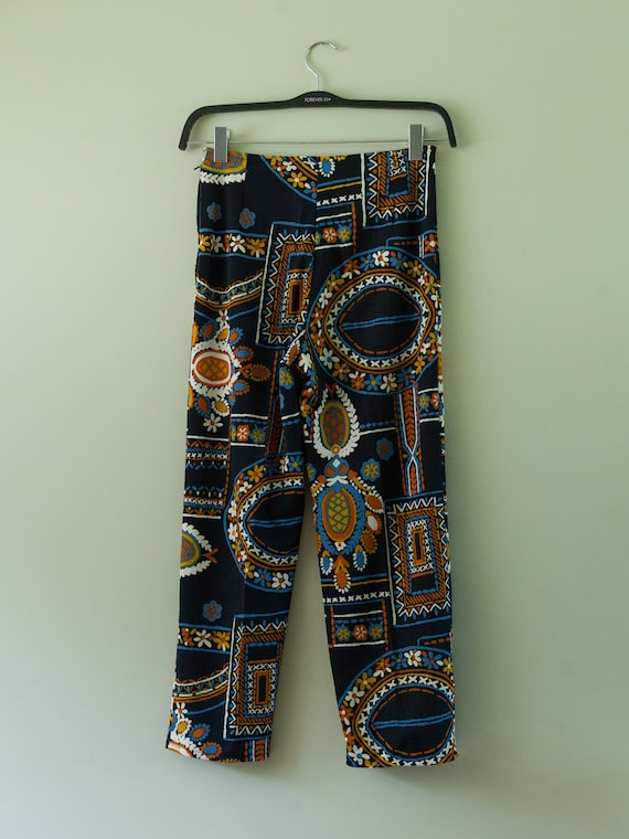 1960s abstract blue print pants, 70s vintage crop… - image 9