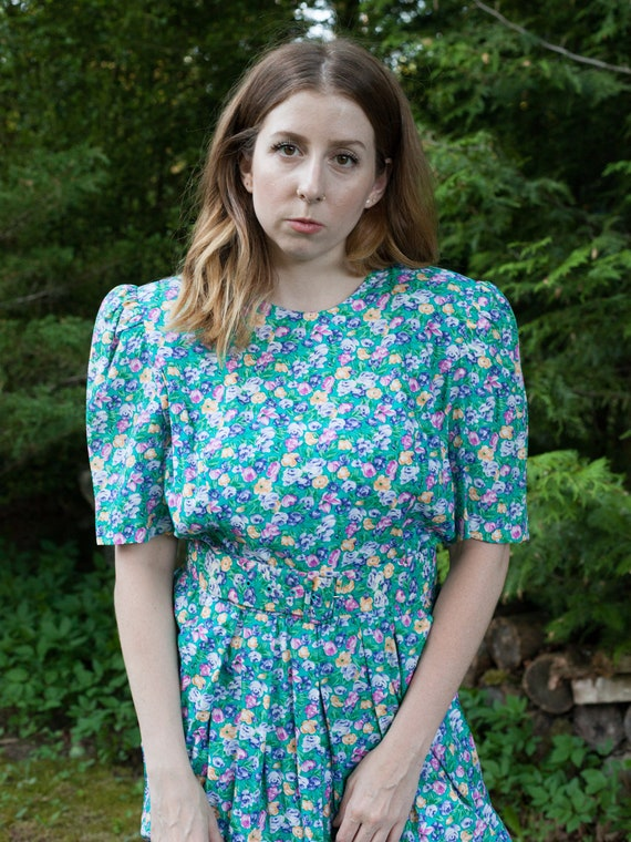 vintage cottagecore green puff sleeve floral dress