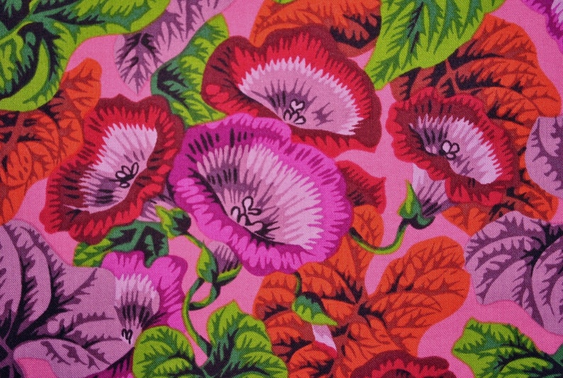 Philip Jacobs Turmpet Flowers PJ02 Red OOP Early Estremely Rare Quilt Kaffe Fassett Collective