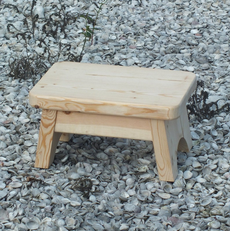 Peachy Wood Hand Made Reclaimed Pine Custom Made To Order Step Stool Picture Is Just Natural With Clear Coat Gmtry Best Dining Table And Chair Ideas Images Gmtryco