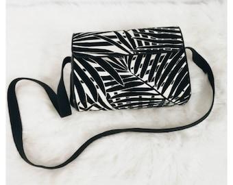 39782c0817c White & Black Vintage Yves Saint Laurent Bag