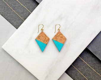 VIVIANE cork earrings in silver or silver plated in gold by Suroh.