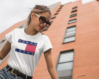 73f29cffac9 Vintage Tommy Hilfiger Womens Style Fashion T-Shirt Tommy Jeans Vintage