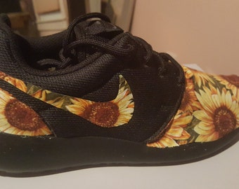 brand new fb888 4163c Custom Sunflower Nike Roshe