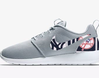 b0fdcd5d29d3e New York Yankees Custom Nike Roshe One