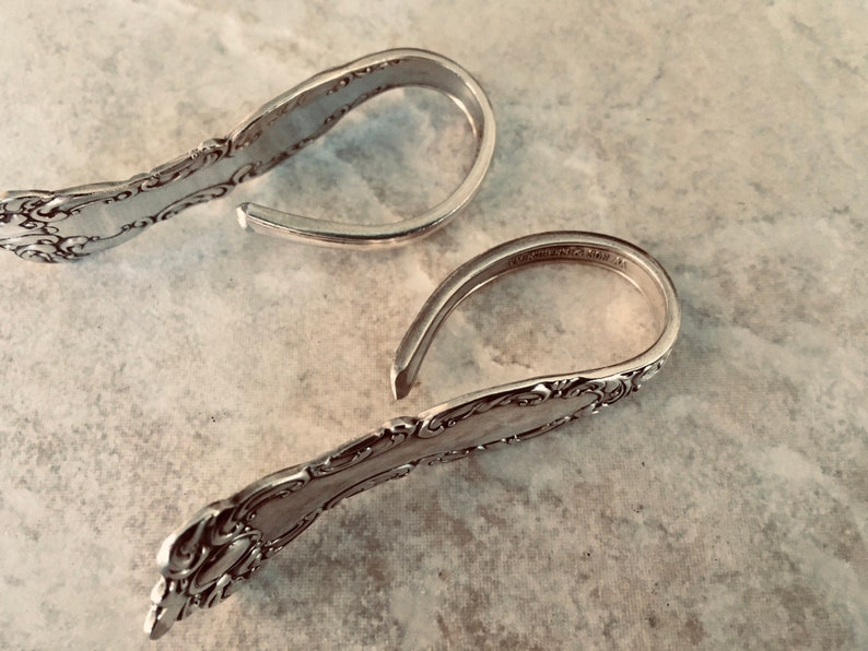 circa 1951 Vintage silverplate napkin rings Magnolia pattern by Rogers /& Son