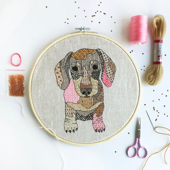 Dachshund Embroidery Kit, Animal Needlecraft Kit, Modern Embroidery Pattern, Hoop Art Embroidery DIY, Hand Sewing Kit, Home Craft Project