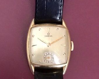 e80b775bf79 Beautiful 1947 Vintage Omega Gold Watch