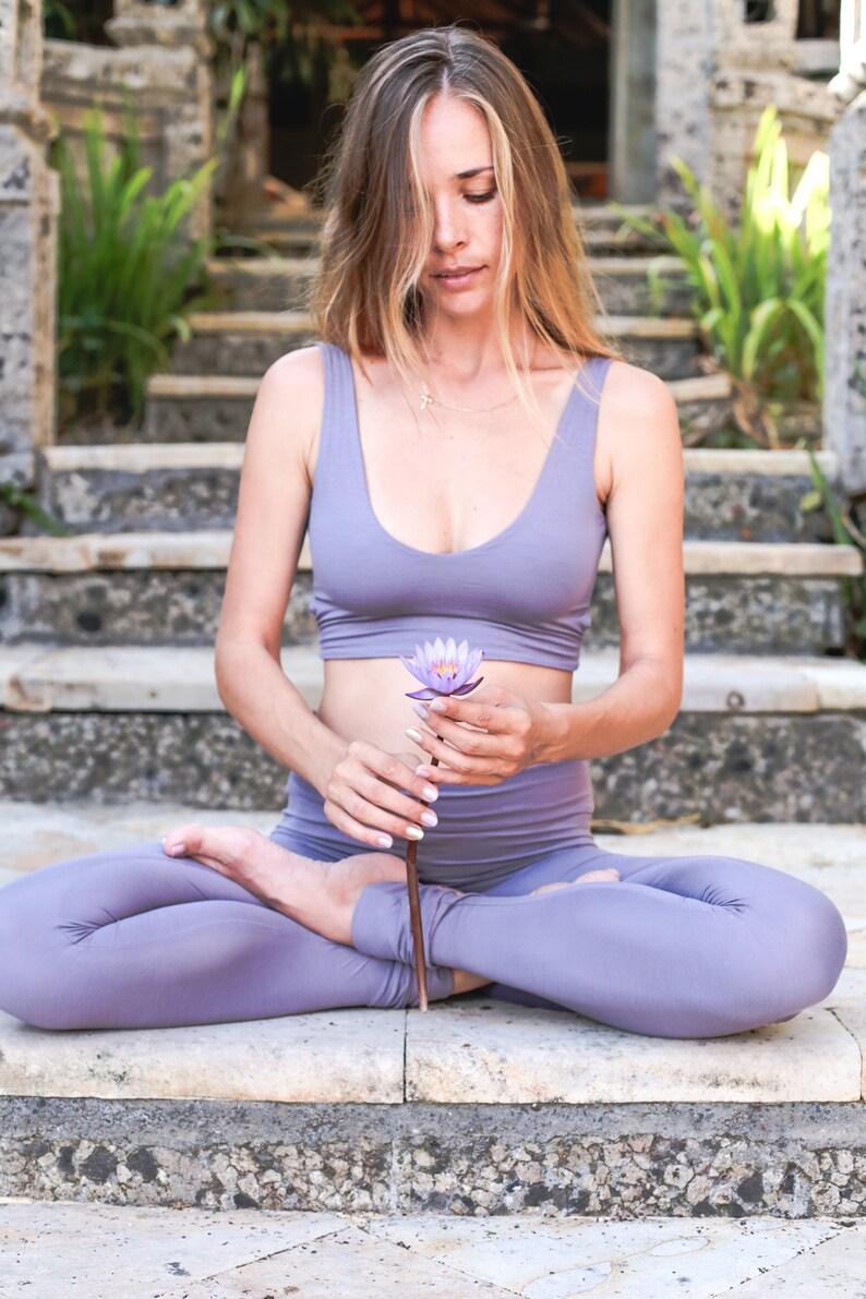Mindfulness Gift Beige Yoga Bra and Leggings Dakini