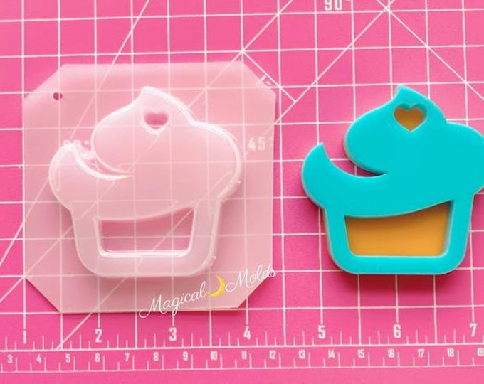 Yummy Cupcake Shaker Flexible Plastic Resin Mold ~ 1 pc
